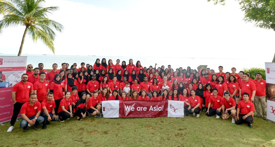 Mirandah Asia Team